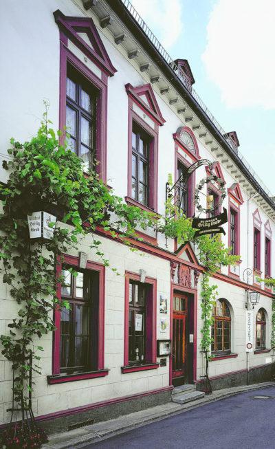 Weingut Heilig Grab Hausfront